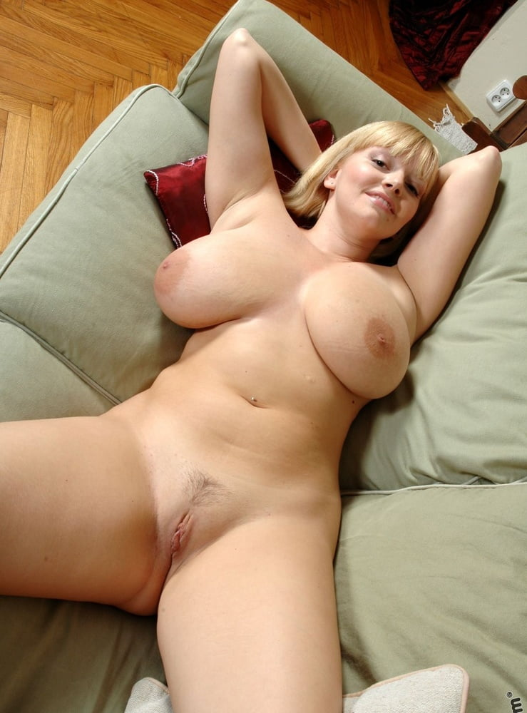 Волосатой киске фото голых практиканток ну очень сексуальных и чучуть пышненьких трахнул все крупным