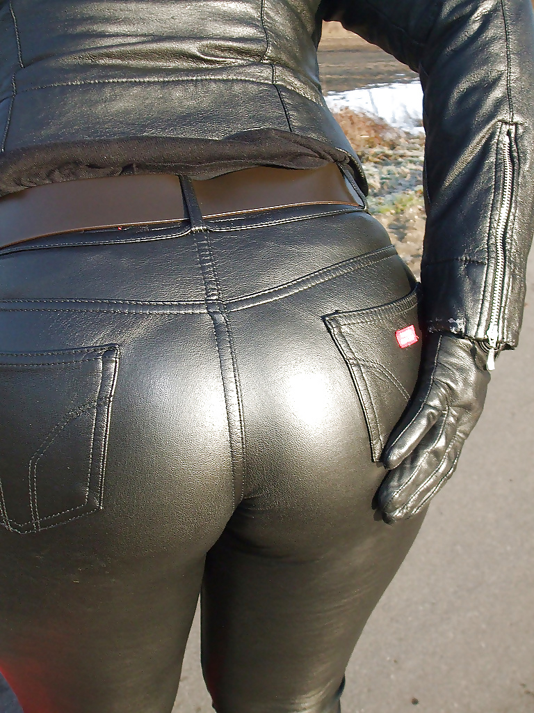 lopez-sex-women-leather-pant-fucking