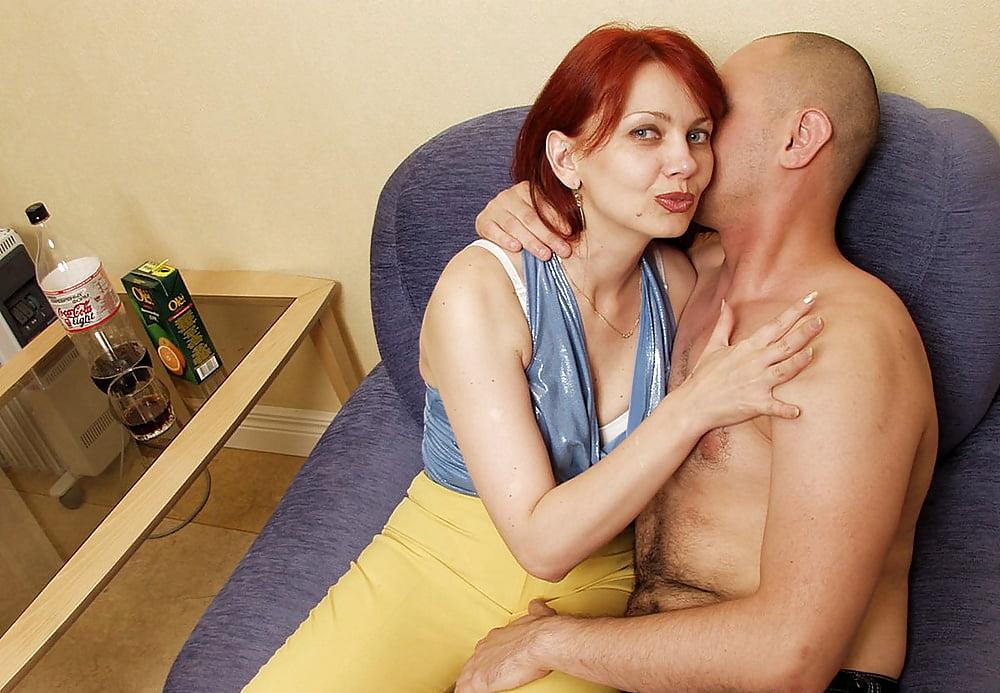 Рыжая мамочка и молодой