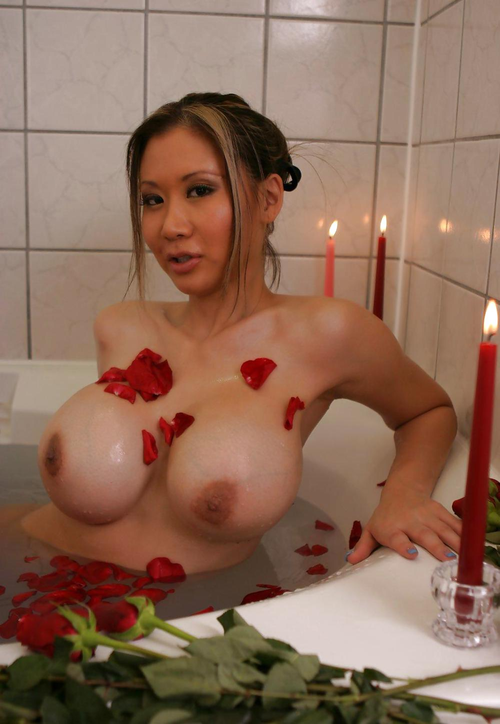 nude-busty-singaporean-you-have-erotic