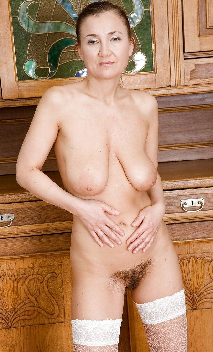 Svetlana mature nude pics girl gets