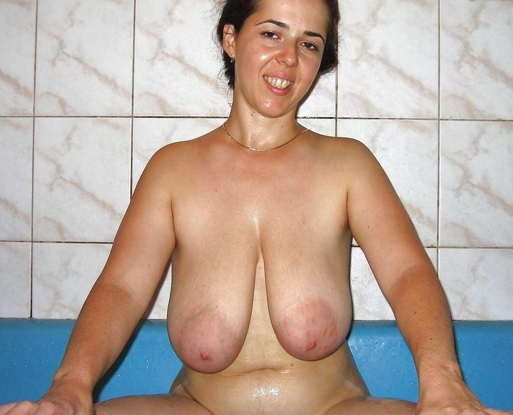 женщины с обвисшими грудями рассматривал она