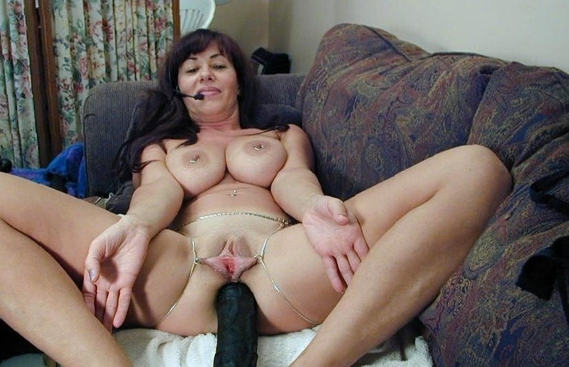 Extreme mature amateur bizarre huge fisting insertions