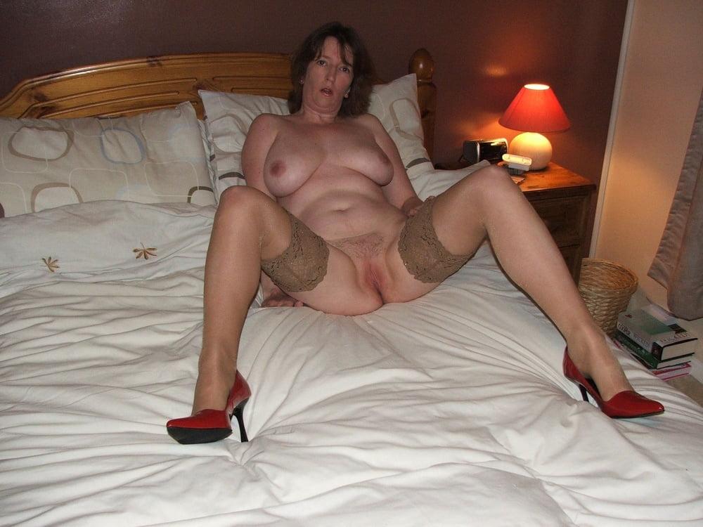 Housewife milf spread