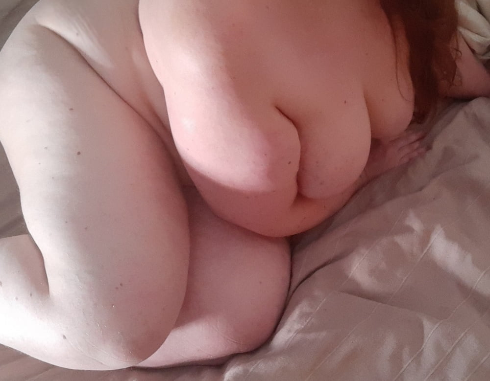 Naked on my bed - 8 Pics