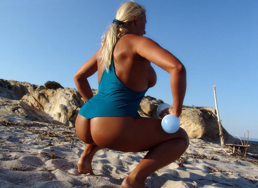 Hot Pornstar Michelle B Showing Off Big Boobs