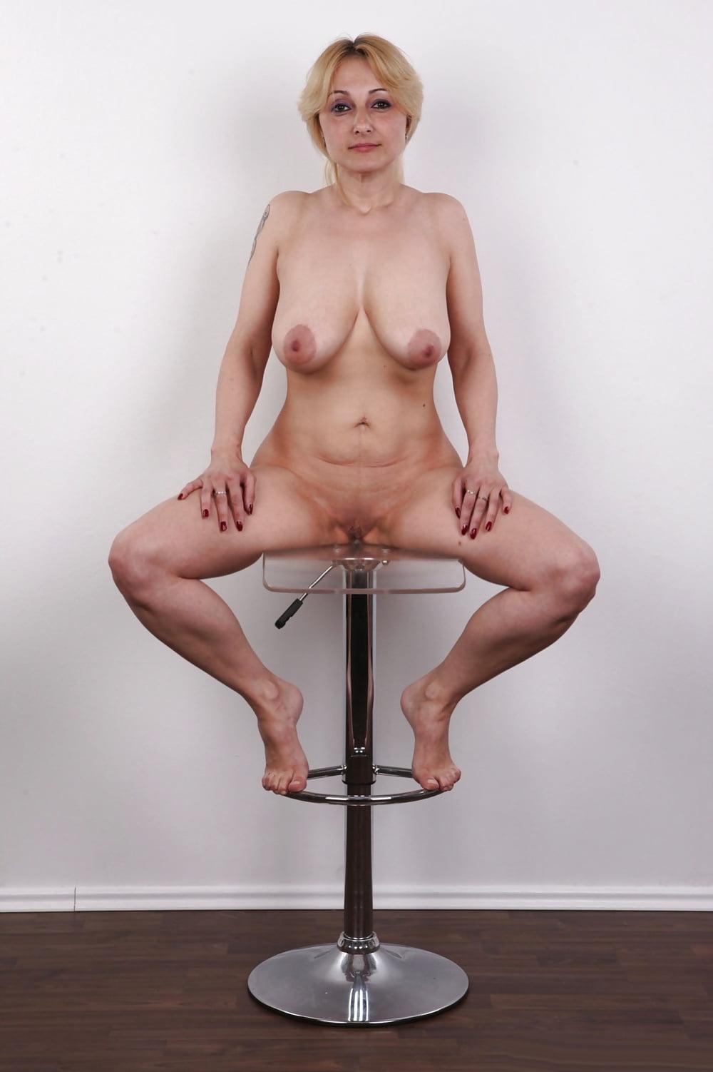 Старая на порно кастинге, садо мазо развлечения женщин над мужиками