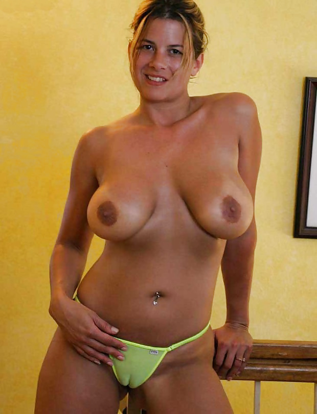 Big boobed housewives naked — pic 13