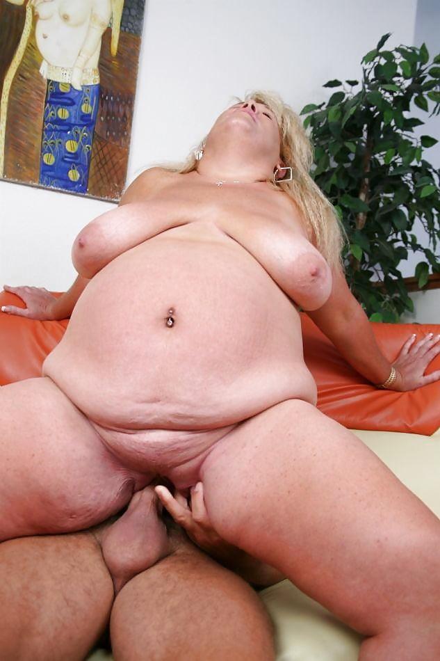 Порно жирных баб в складки, массаж мужчине интим видео
