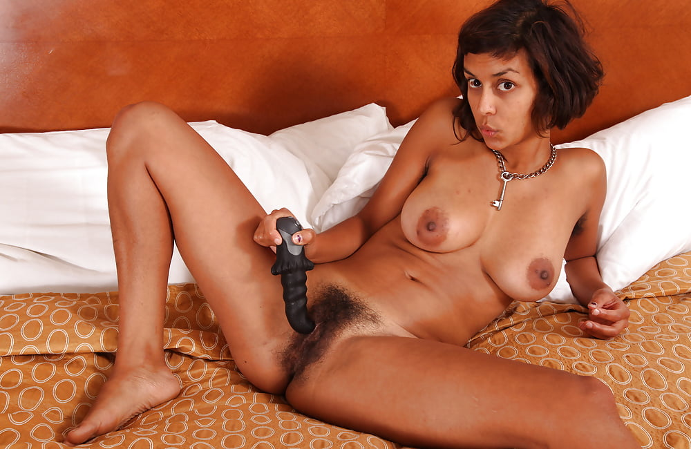 Hairy indian mature masturbate