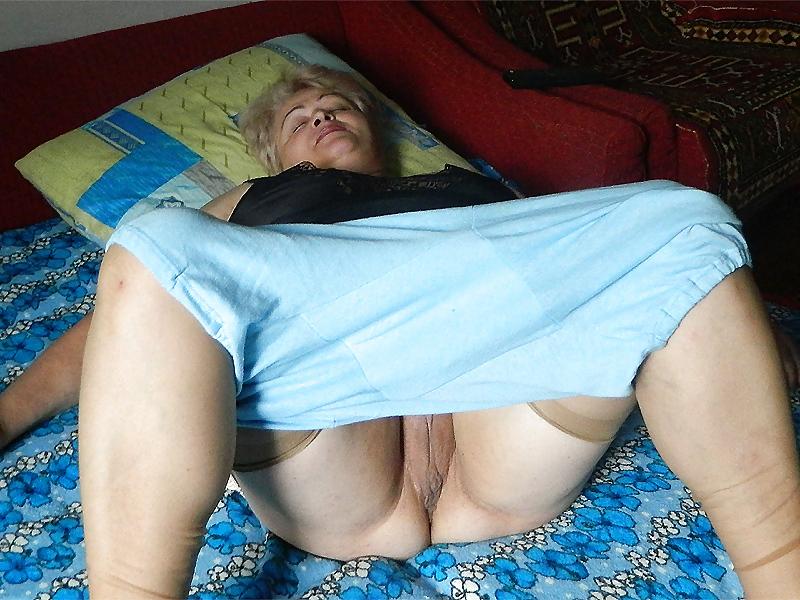 porno-starushki-v-pantalonah-smotret-lyubitelskoe-porno-v-kustah