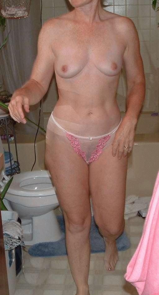 Sexy aunty in bathroom-1923