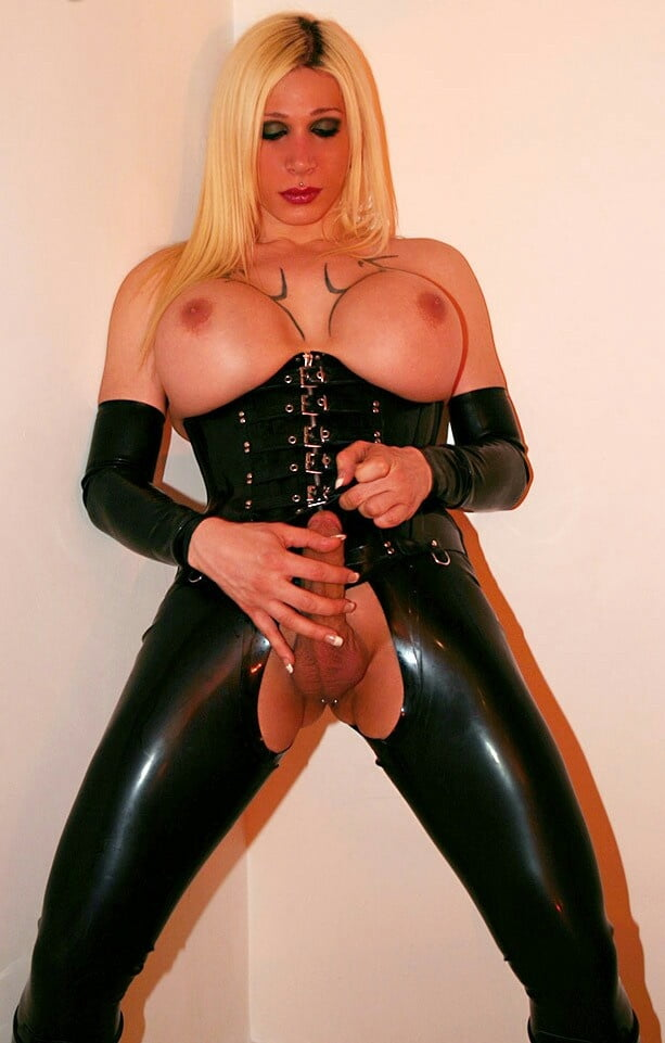 Showing porn images for fetish latex shemale porn
