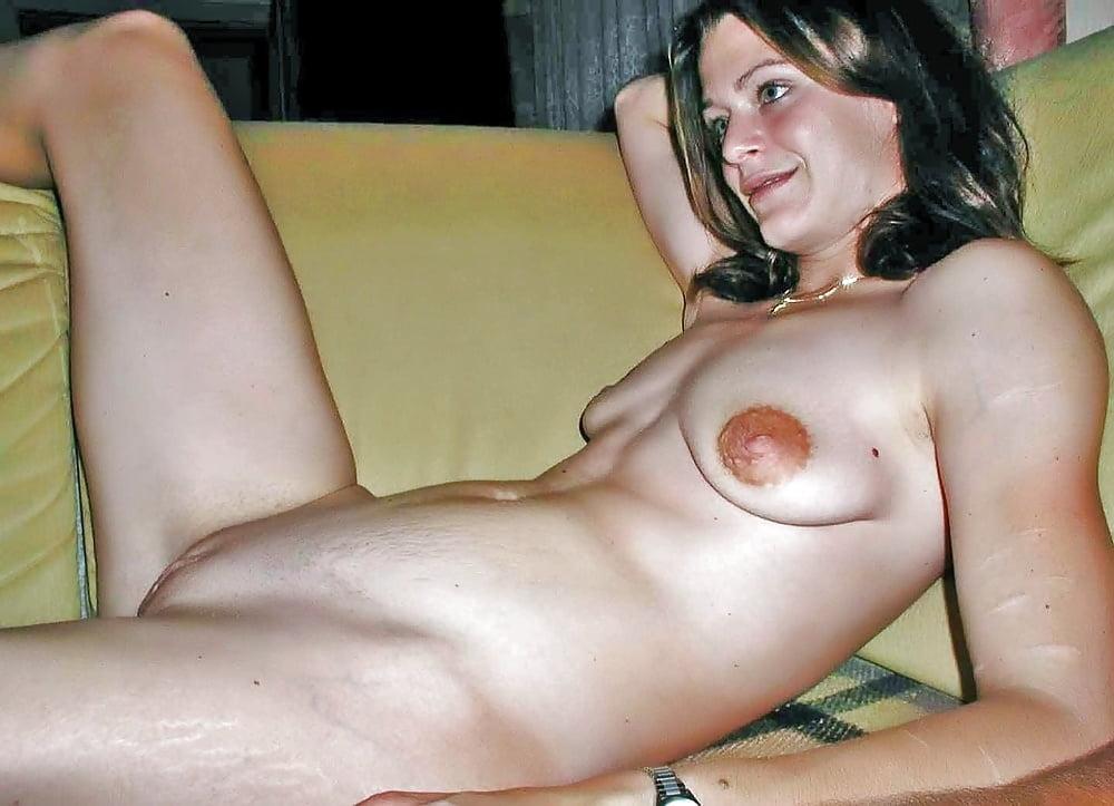 stretch-mark-tits-nude