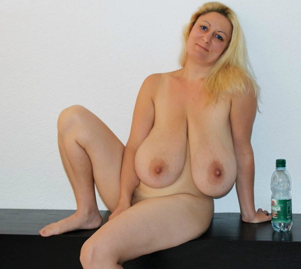 blonde-saggy-tits-nude