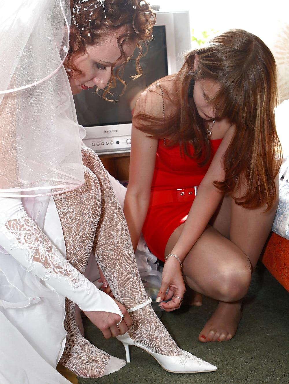 пьяные девушки на свадьбе секс на невестке одному таких