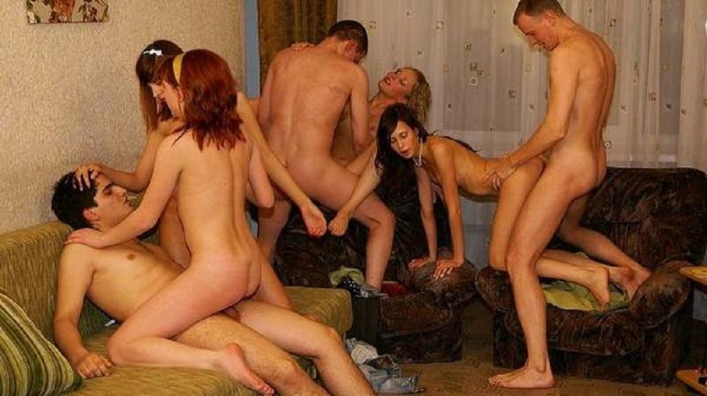 Hot sexual play - 79 Pics