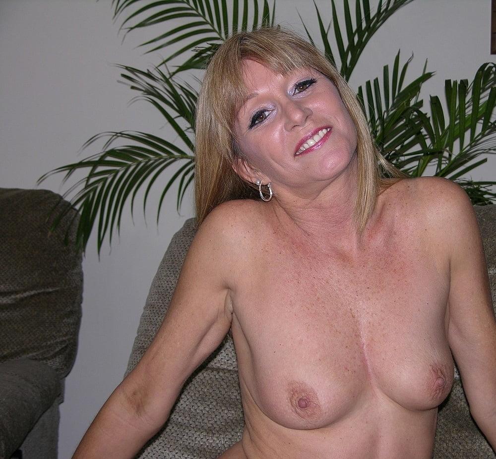 51 Year Old Jessica - 18 Pics