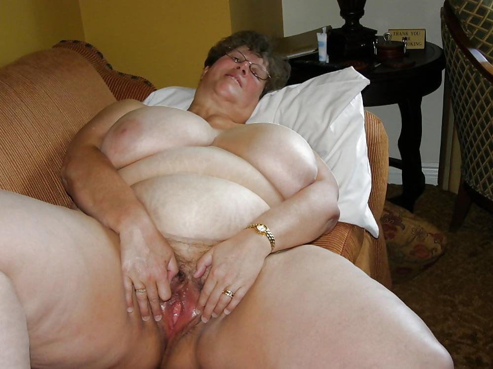 Watch free bbw granny porn pics on tnaflix porn galery