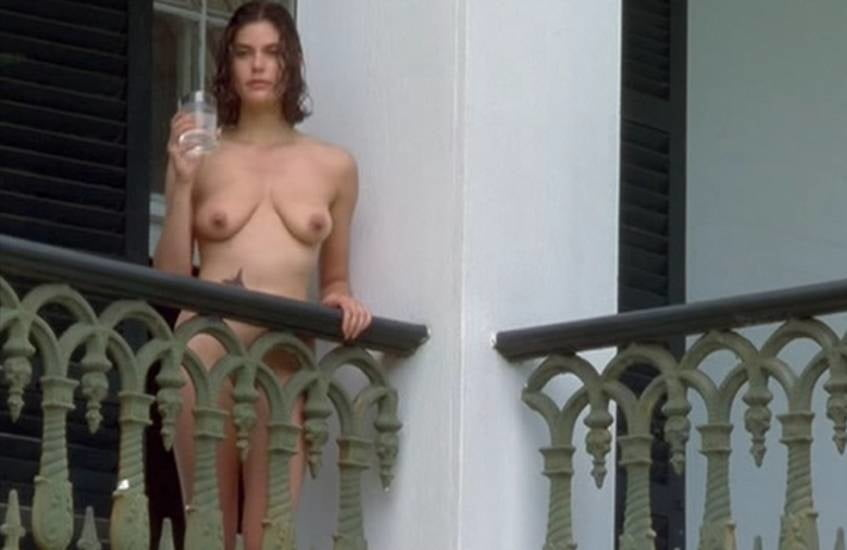 nude-pictures-of-teri-hatcher