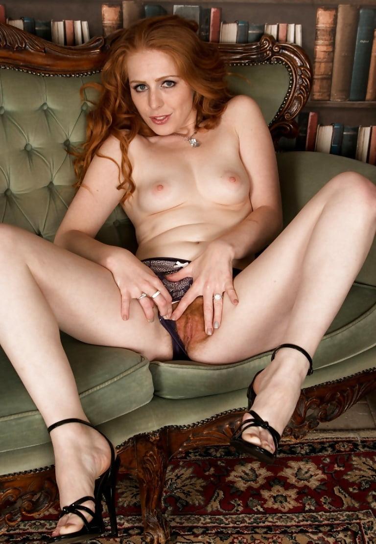 Tia Jones Slowly Strips Nude In Her Bed
