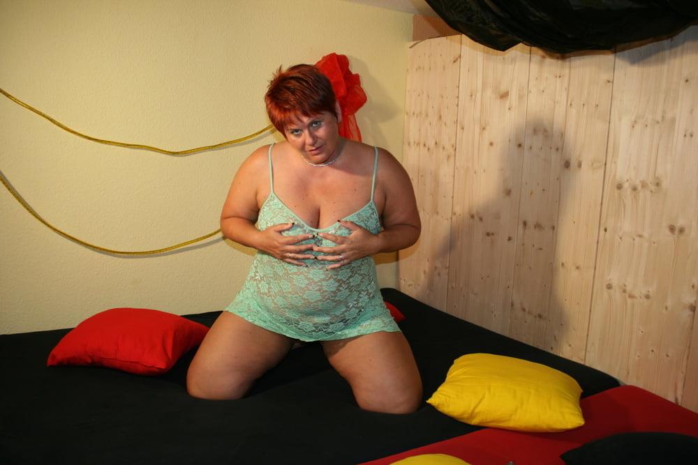 Masturbate in swingerclub - 11 Pics