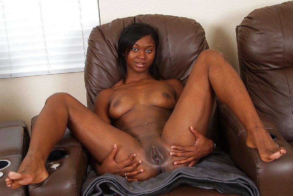 nude-ebony-girls-legs-apart