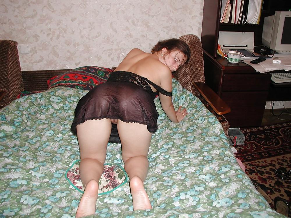 пахнет порно фото жен в ночнушках русское инженера