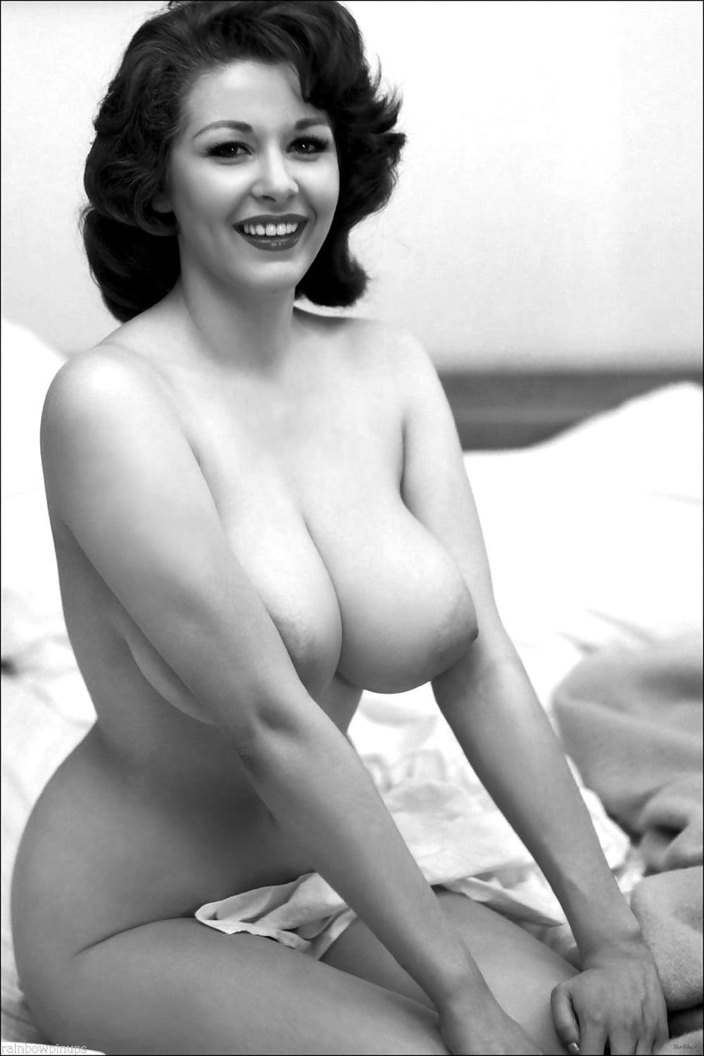 galleries-nude-cordelia-reynolds-nude