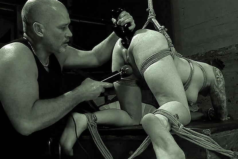 смотреть порно легкое садо мазо