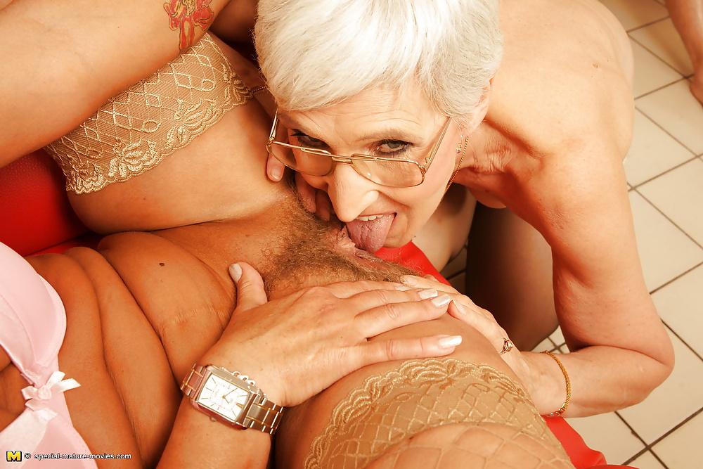 порно фильмы гламурные старушки немного завелись стали
