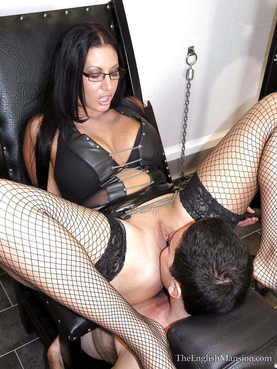 Две леди и раб фейсситтинг смотреть онлайн, порно волосатый пенис