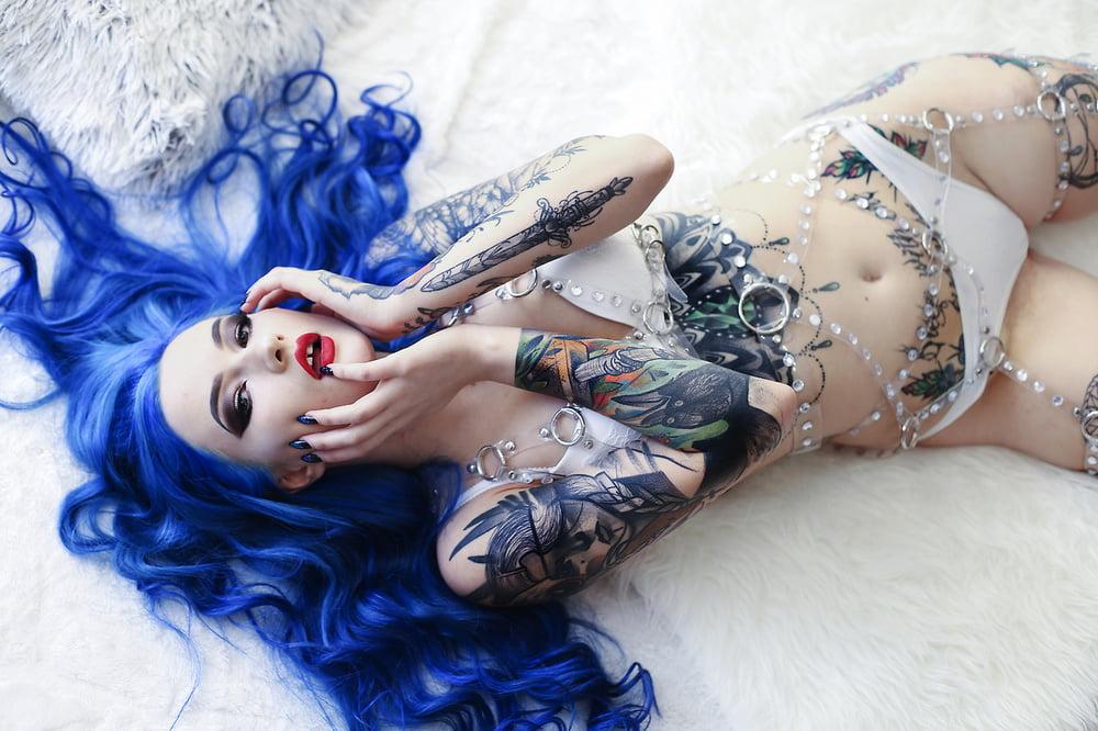 Blue astrid - 24 Pics