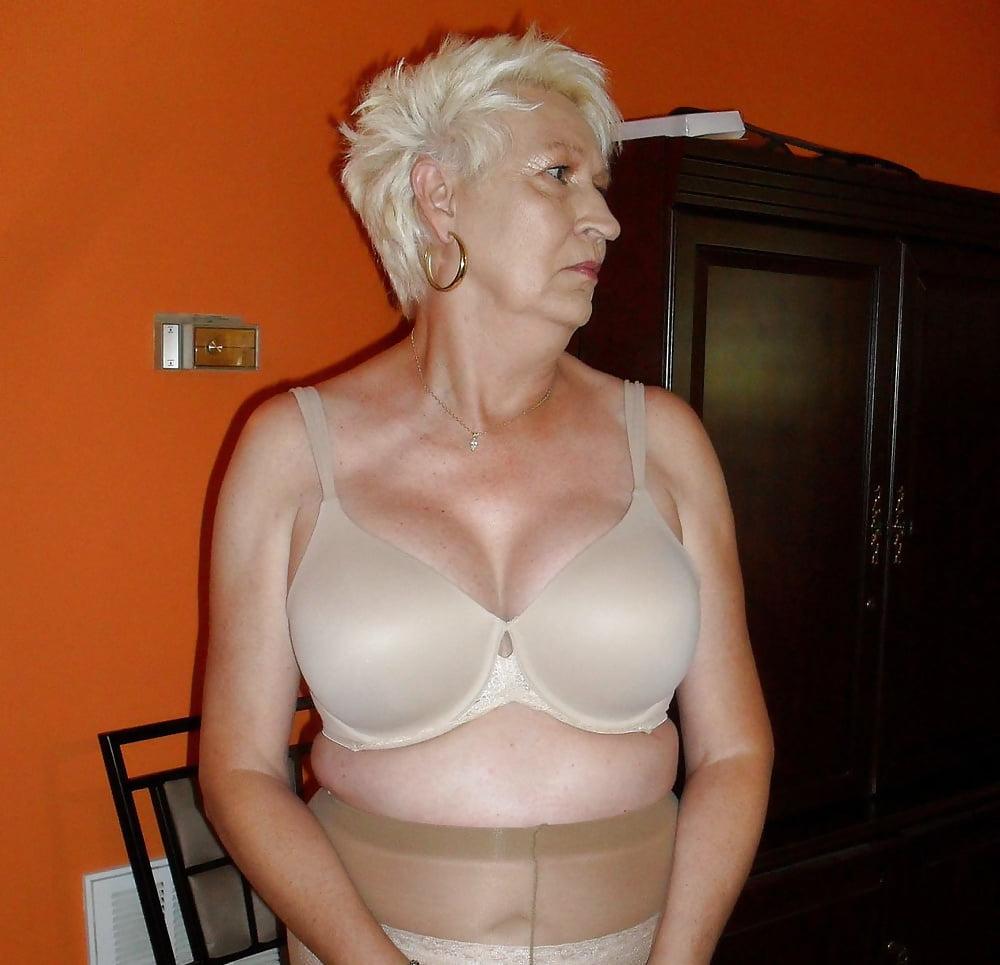 Sexy mature big tits-1842