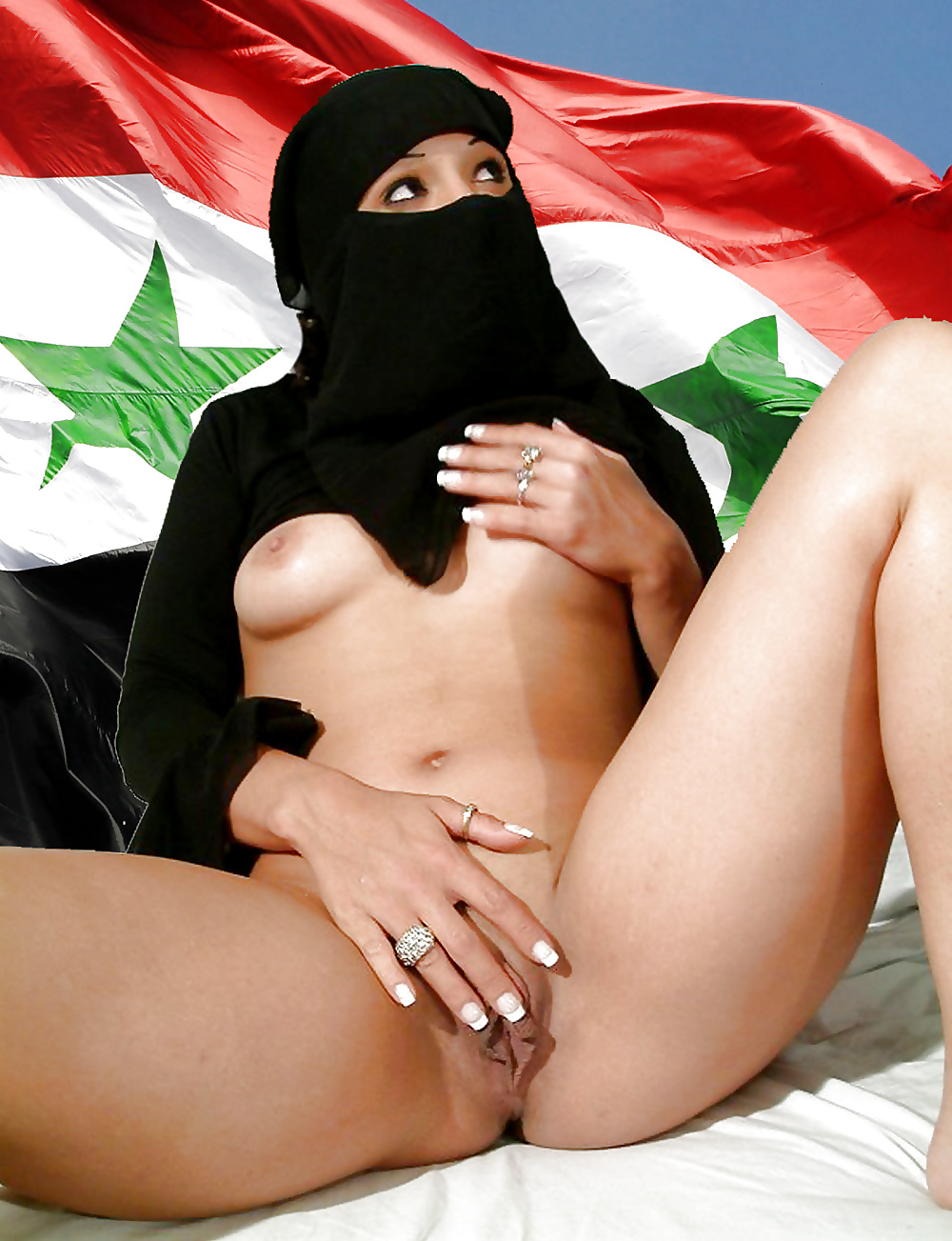 Naked arabic girl
