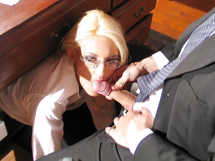 минет секретарши порно - 10