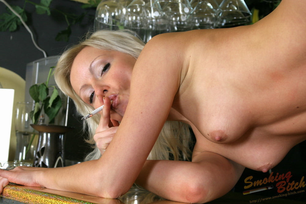 nasty-nude-smokers-nude-anne-hathaway-gif