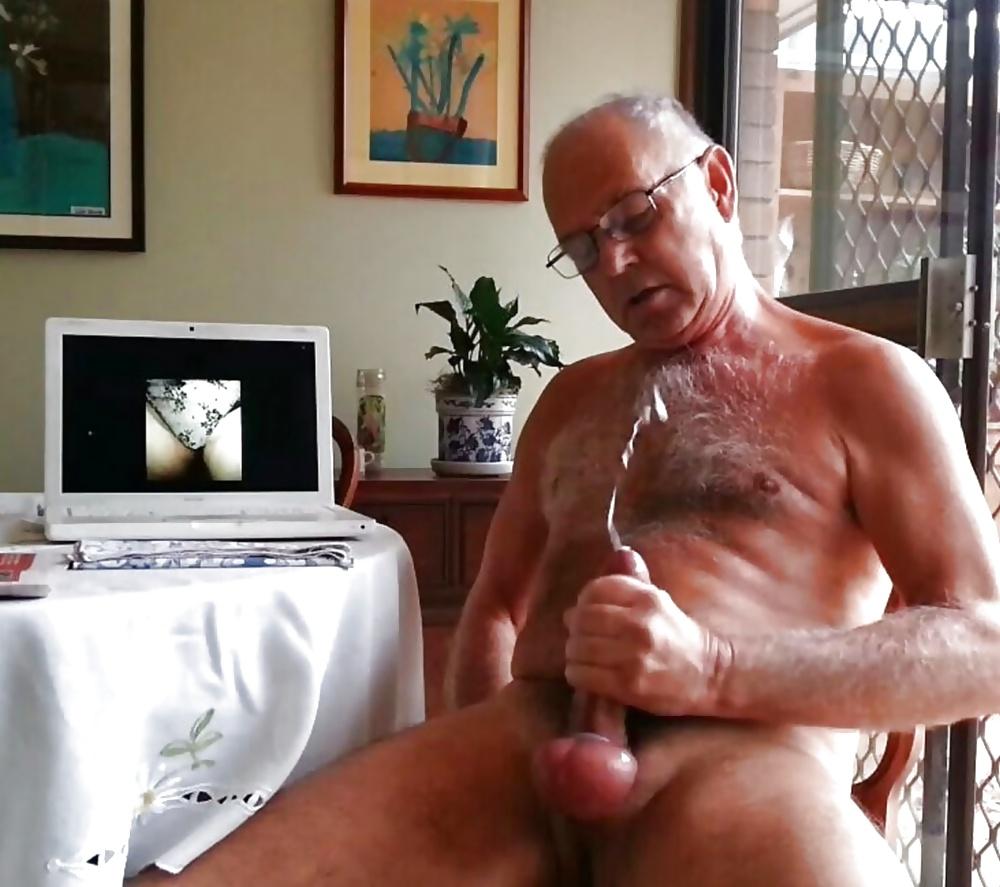 zalitie-porno-stariki-drochka-ochen