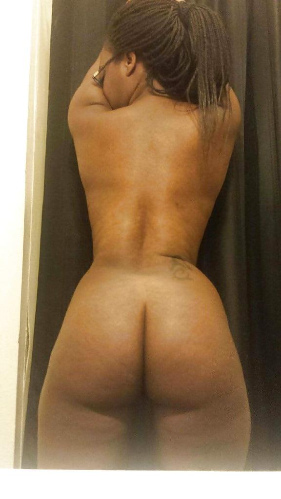 Mature nude women masterbating