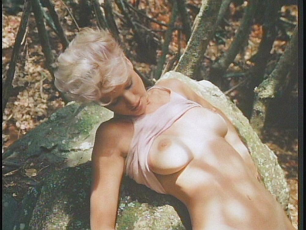 Ayres nude leah Hotties of