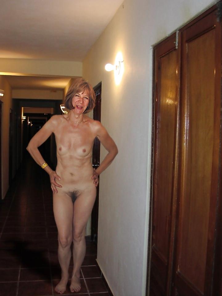 Natural mature women pics-4597