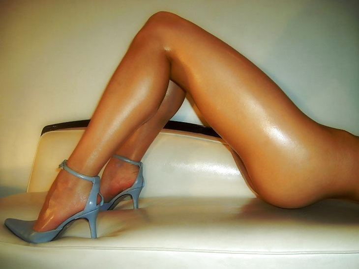 party-fuck-gorgeous-legs-and-ass