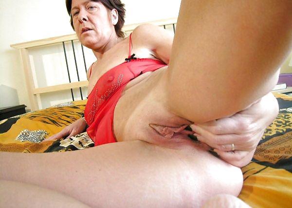Older women mastabating-5397