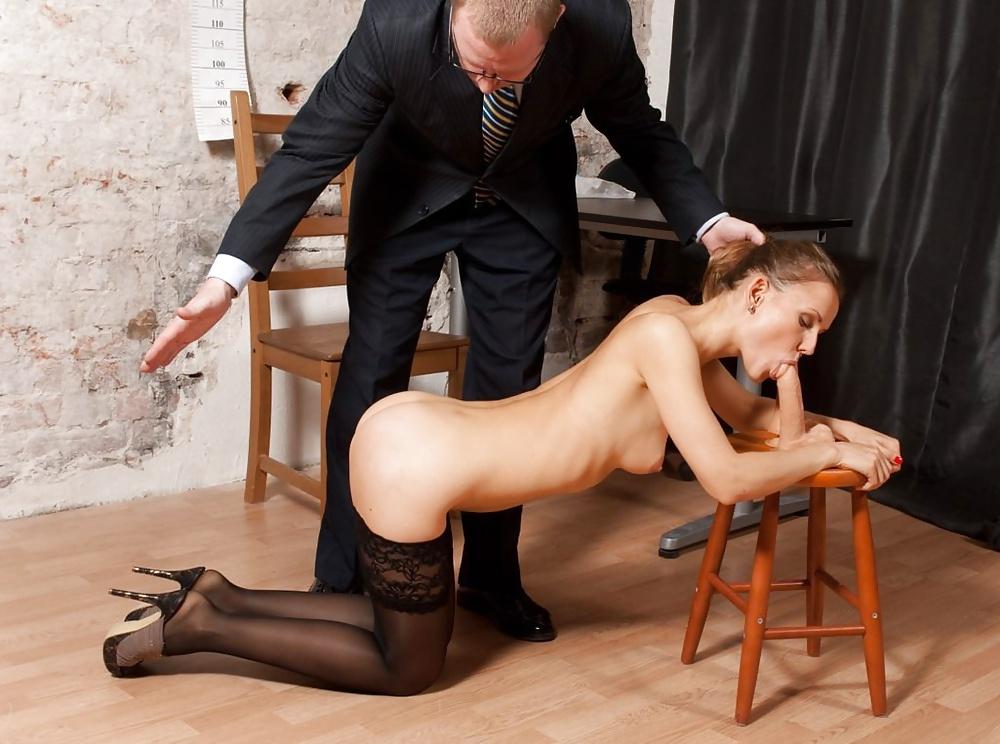 проститутка на высоких каблуках видео секс потребовал, чтобы
