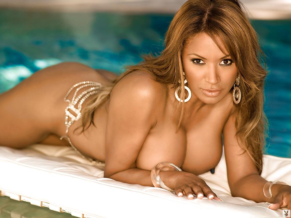 Kathleen kinmont nude topless toni lee busty nude laura burkett nude in shower