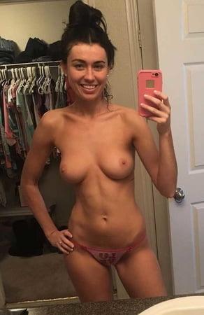 Hot Girl Naked Selfie