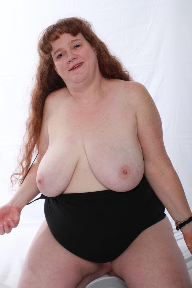 Black bbw mom in pink panties