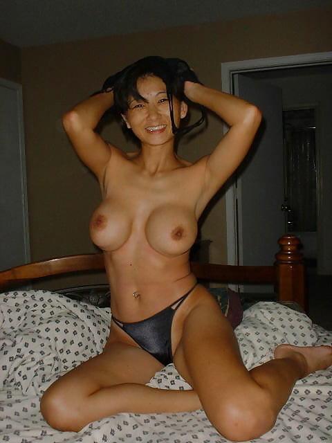 Beautiful kashmiri hot milf showing nude body porn indian image