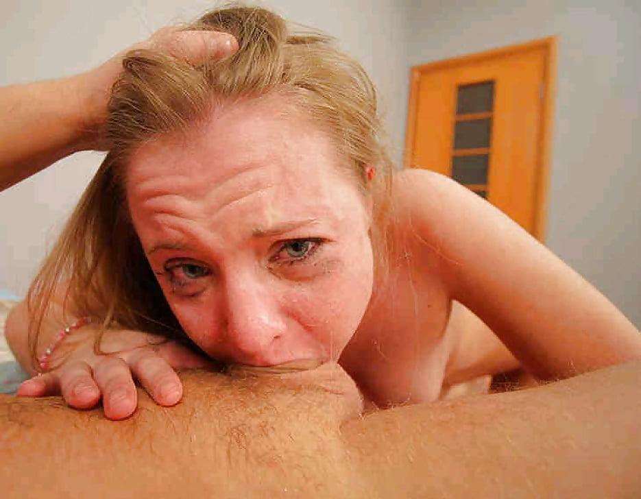 Deep throat amateur busty women