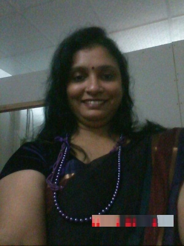 Indian aunty big boobs show